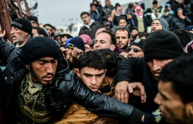 Syrian refugees in in Bab al-Salama, near Azaz on February 6, 2016