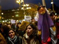 Spanish Puppeteers Arrested for 'Praising Terrorism'