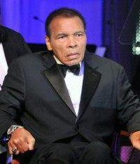 Muhammad Ali voices support for Louisville amid team turmoil