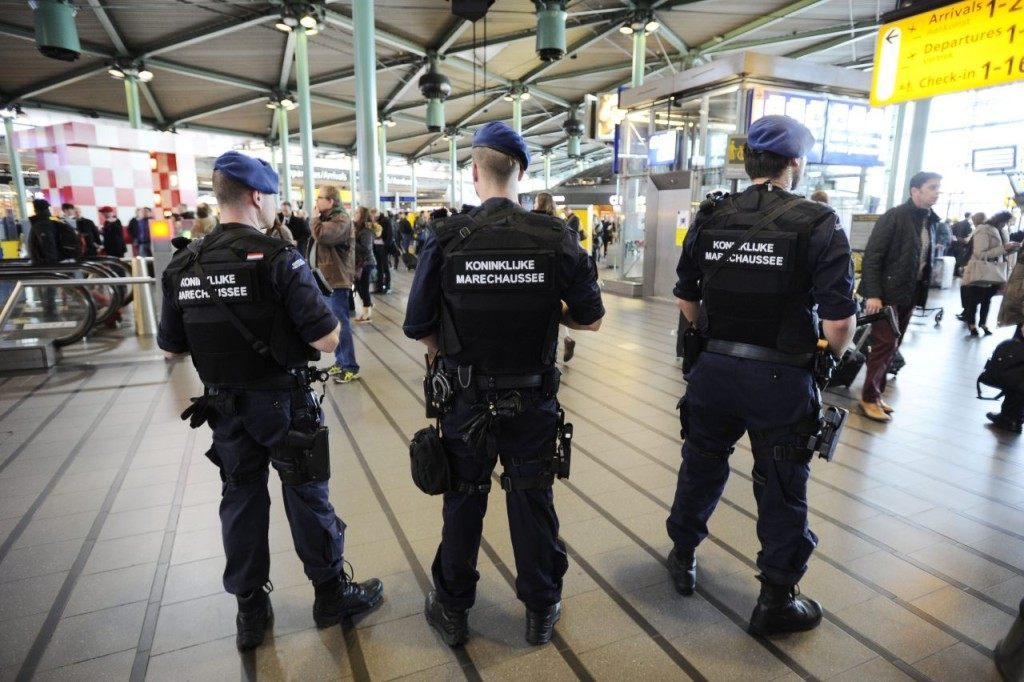 The military police carries extra patrols at Schiphol Airport in Amsterdam, on March 22, 2016 in response to the attacks in the departure hall of Brussels Airport and at a Brussels metro station. / AFP / ANP / Evert Elzinga / Netherlands OUT (Photo credit should read EVERT ELZINGA/AFP/Getty Images)