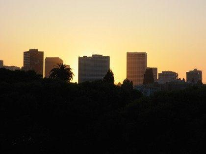 Oakland sunset (Hitchster / Flickr / CC / Cropped)