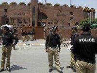 Pakistani-police-ap