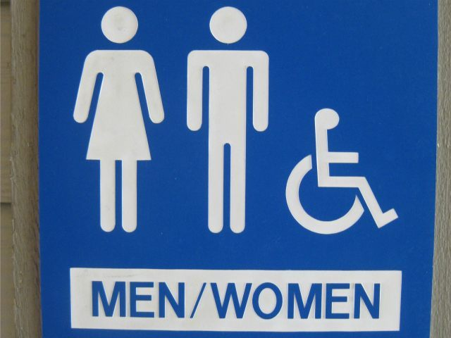 Georgia Grocery Store Takes Heat for Sign Defending Unisex Bathroom Policy