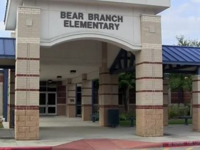 Texas School Threatens to Punish Parents Who Walk Children Home