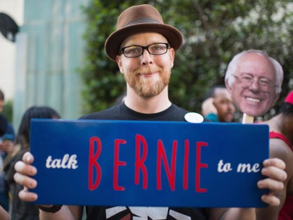Bernie Sanders Hollywood (Robyn Beck / AFP / Getty)