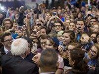 Bernie Sanders greets kids (Whitney Curtis / Getty)