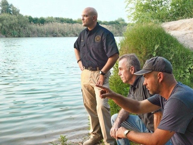 Glen Robertson on Border with Agent Hector Garza and Brandon Darby