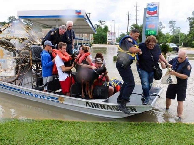 Harris County Sheriff Ron Hickman and Marine Division deputies assist flood victims in Northwest Houston. (Photo: Facebook/Ron Hickman)