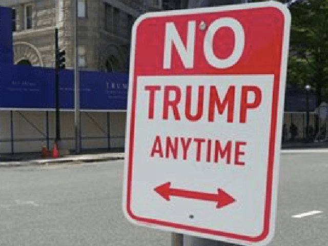 No Trump Sign (PaduRoy / Twitter)