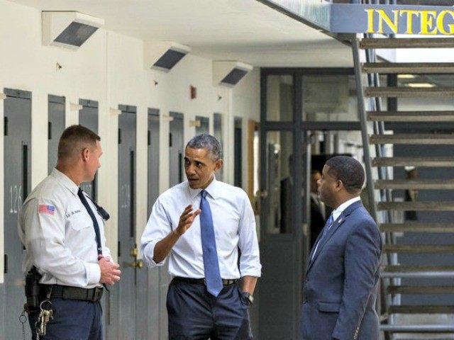 Obama Visits Prison Evan Vucci AP