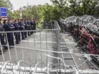Hungary Border fence migrants