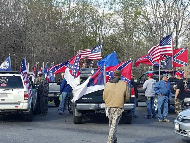 Virginia High School's Confederate Flag Ban Sparks Flag Rally in Protest