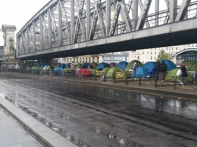 bridge tents paris