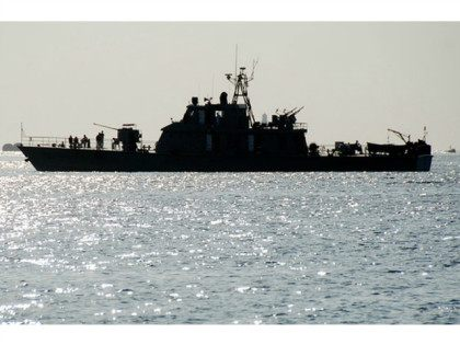 One of two Iranian navy warships arrives to dock at Port Sudan in the Red Sea state December 8, 2012. REUTERS/STRINGER