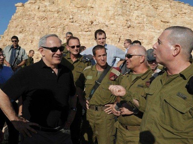 Israeli PM Benyamin Netanyahu visits the Fence at south of Israel 11/10/2012