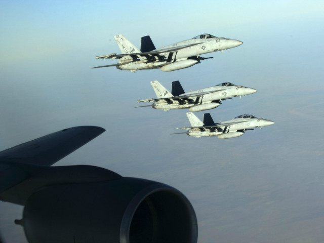 us fighter planes strike isis in syria