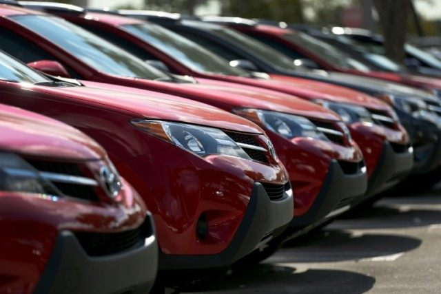 There was a 2.1% drop in motor vehicle sales throughout March, according to the Commerce Department