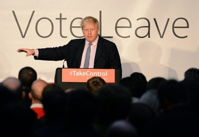 "London Mayor Boris Johnson addresses campaigners during a rally for the ""Vote Leave"" campaign, in Manchester on April 15, 2016"