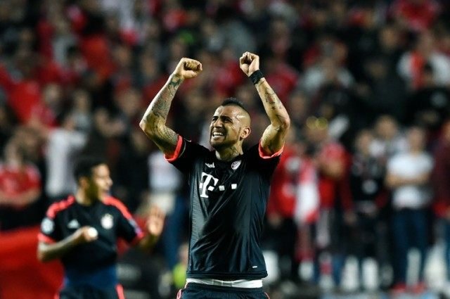 Bayern Munich's midfielder Arturo Vidal celebrates a goal on April 13, 2016