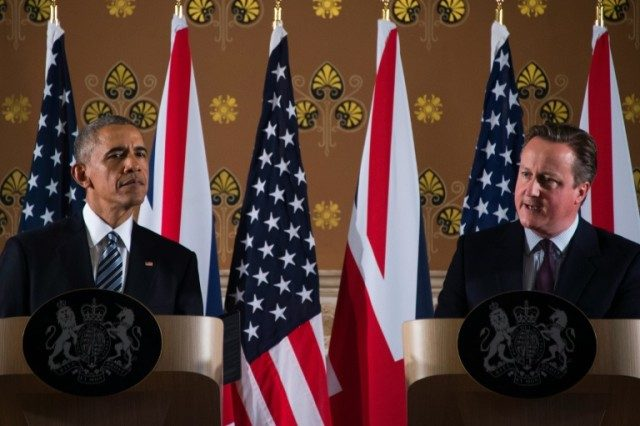 Britain's Prime Minister David Cameron (R) and US President Barack Obama (L) during a press conference in London on April, 22, 2016