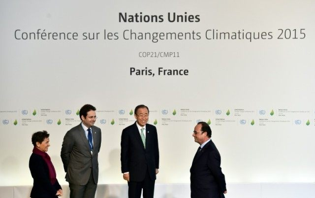 Dignitaries including French President Francois Hollande and United Nations Saecretary General Ban Ki Moon arrive to the COP 21, UN conference on climate change on November 30, 2015