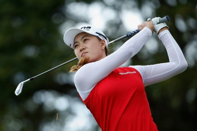 Australian teenager Min-Jee Lee closed with a bogey free eight-under par 64, just 24 hours after shooting a two-over 74 at the Lotte Championship