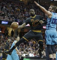 Spencer Hawes, LeBron James