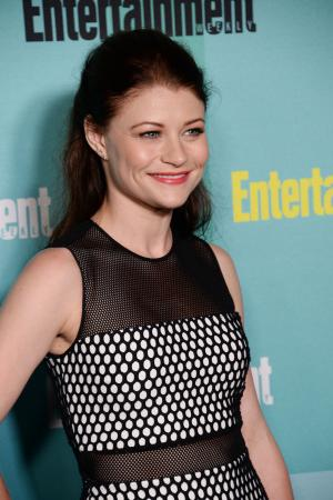 'Once Upon a Time' star Emilie de Ravin introduces daughter