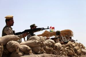 U.S. arms Kurdish peshmerga as Mosul ground battle looms