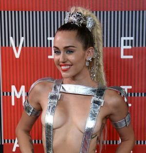 Photo of Miley Cyrus to be auctioned to raise money for Planned Parenthood