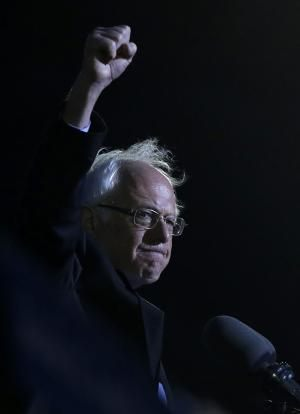 Sanders rallies 27,000 in star-studded Washington Square Park appearance