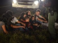 Border Patrol Agents with Alien Minors in South Texas - BP photo