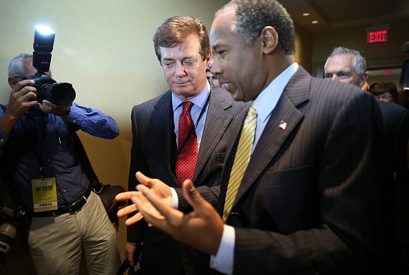 HOLLYWOOD, FL - APRIL 21: Republican presidential candidate Donald Trump's political strategist Paul Manafort (L) speaks with former Republican presidential candidate Ben Carson as they arrive for a Trump for President reception with guests during the Republican National Committee Spring meeting at the Diplomat Resort on April 21 2016 in …