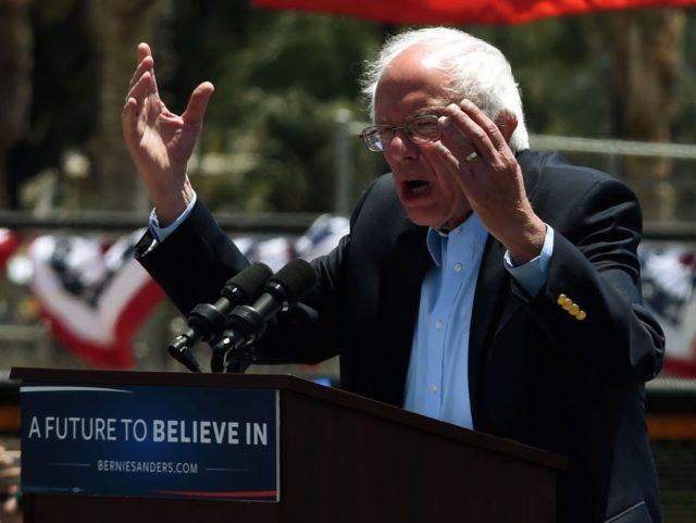 Bernie Sanders kvetch (Mark Ralston / AFP / Getty)