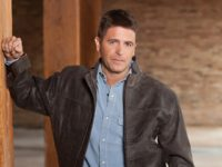 Conservative author and commentator Brad Thor announced on Twitter Saturday evening that he would challenge President Trump in the 2020 Republican presidential primary.