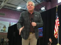Glenn Beck speaking with supporters of U.S. Senator Ted Cruz at a campaign rally at the Durango Hills Community Center in Summerlin, Nevada. (Flickr/Gage Skidmore)