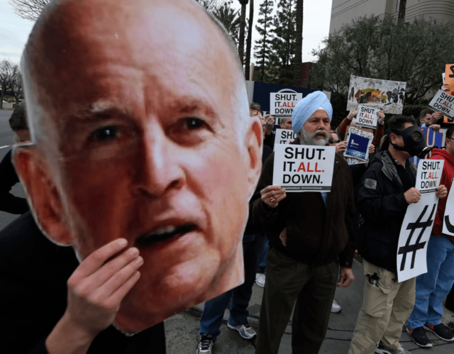 Jerry Brown gas leak protest (Mark Ralston / AFP / Getty)