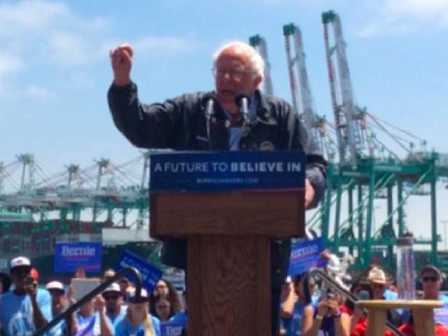 Bernie Sanders in Los Angeles (Adelle Nazarian / Breitbart News)