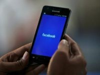 Expert Warns Facebook Could Be Eavesdropping Through Your Phone