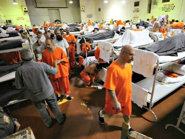 prison-inmates-AP