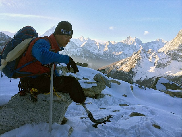U.S. Combat Veteran, Amputee Reaches Mount Everest Summit