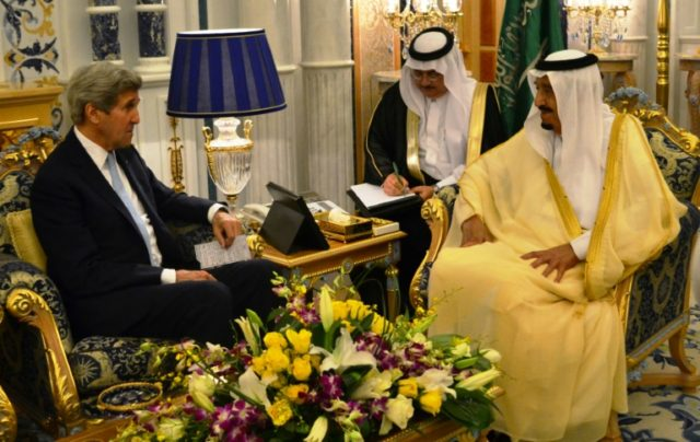 US Secretary of State John Kerry (L) meets Saudi King Salman bin Abdulaziz al-Saud in the Saudi city of Jeddah on May 15, 2016, as Washington and Riyadh consult ahead of another week of diplomacy on the Syria conflict