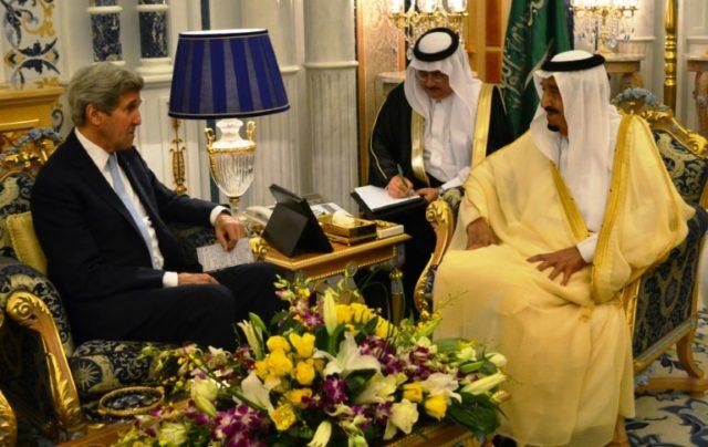 US Secretary of State John Kerry (L) meets Saudi King Salman bin Abdulaziz al-Saud in the Saudi city of Jeddah on May 15, 2016, as Washington and Riyadh consult ahead of another week of diplomacy on the Syria conflict