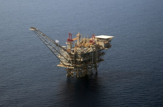 The Tamar Israeli gas-drill platform in the Mediterranean Sea off Tel Aviv -- Israel has been trying to extract offshore gas since the discovery of the Tamar and Leviathan fields in 2009 and 2010