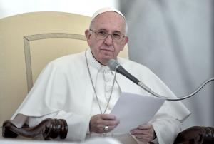 Pope Francis reprimands European leaders over migrant crisis