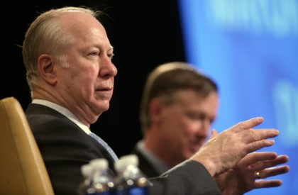 David Gergen, left, makes a point while appearing with Denver Mayor John Hickenlooper at the Denver Leadership Summit in Denver on Wednesday, May 6, 2009. (AP Photo/David Zalubowski)