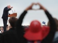 Bernie Sanders in SF (Scott Olson / Getty)