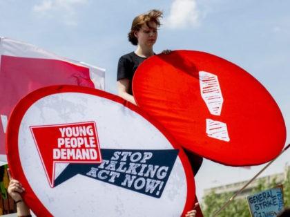 DGB Hosts Alternative Youth Unemployment Summit