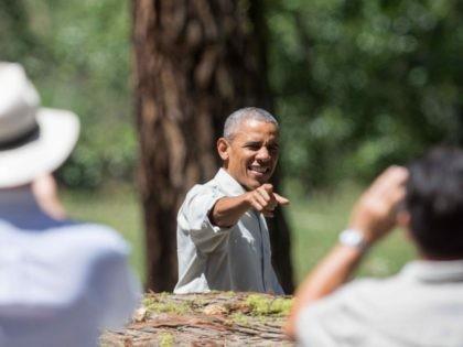 Obama points (David Calvert / Getty)