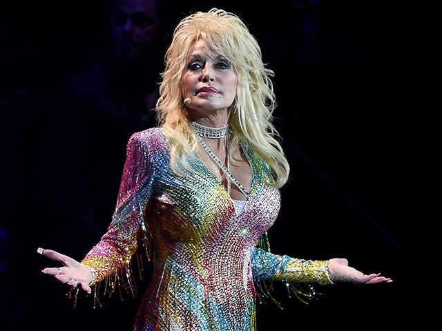 NASHVILLE, TN - AUGUST 01: Dolly Parton: Pure & Simple Benefiting The Opry Trust Fund at Ryman Auditorium on August 1, 2015 in Nashville, Tennessee. (Photo by Rick Diamond/Getty Images)
